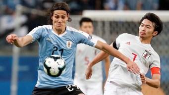 Uruguay y Japón empatan en un partidazo a puro vértigo