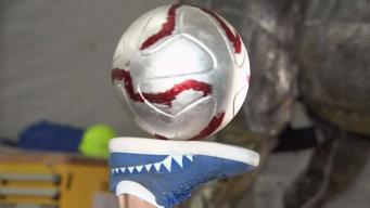 Venezolana va del fútbol al Cirque du Soleil