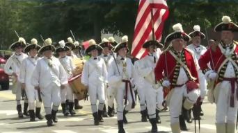 Bristol celebra 4 de julio con desfile más antiguo del país