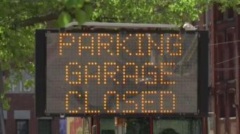 Residentes descontentos tras cierre de estacionamiento en Lawrence