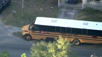 Estudiante resulta herido en un autobús escolar