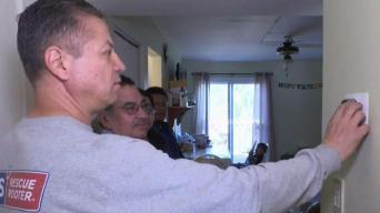 Familia salvadoreña recibe donativo inesperado
