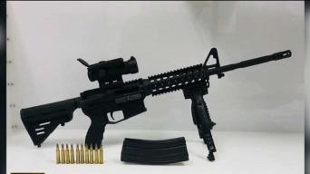Policía encuentra rifle táctico en Hartford
