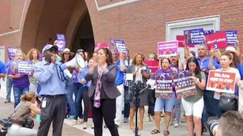 Protestan contra intento de cancelación del TPS