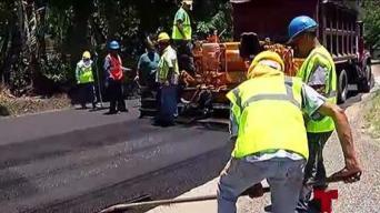 Reparan carreteras en Vega Baja