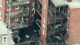 Se incendia edificio en Roxbury