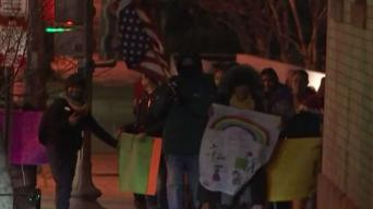 Vendedores ambulantes protestan contra hostigamiento policial