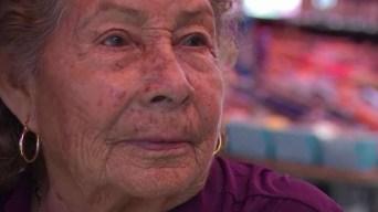 Familia asegura que abuelita es el secreto del éxito