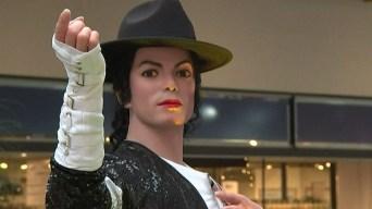 Polémica por estatua de cera de Michael Jackson en centro comercial