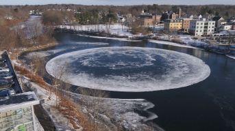 En video: el gigante y misterioso disco de hielo que gira