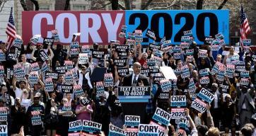 """""""Justicia para todos"""": Cory Booker comienza su campaña"""