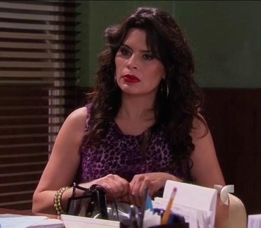 Carlos lleva a Tránsito a la comisaría para que Pancho la interrogue ...