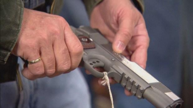 ¿De dónde salen las armas para cometer asesinatos?