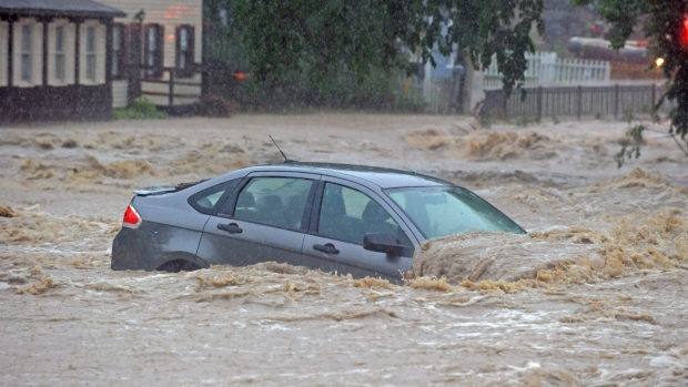 Llegó la temporada de huracanes: esto es lo que necesitas saber para prepararte