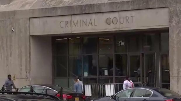 [TLMD - NY] Acusados de brutal asesinato enfrentan la justicia