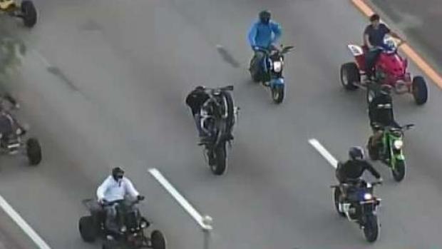 [MI] Al menos 10 motociclistas arrestados