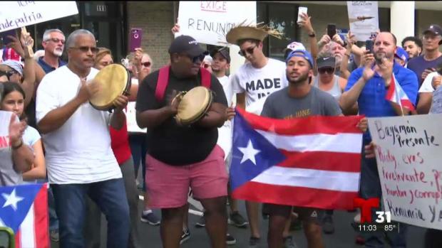 Boricuas en Orlando piden salida de Rosselló