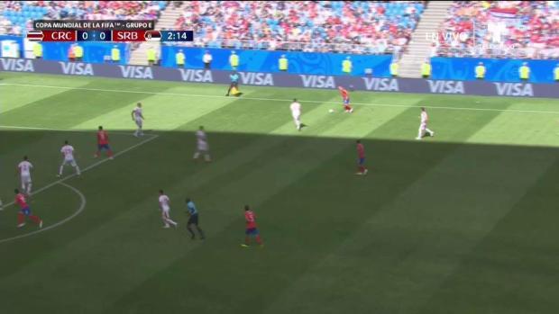 """El cabezazo """"Tico"""" que pudo ser gol"""
