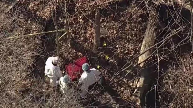[TLMD - NY] Cadáver de mujer en barrio privilegiado de Connecticut