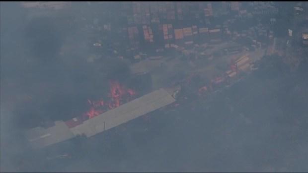 [TLMD - SD] Imágenes del incendio en Otay Mesa cerca de la frontera