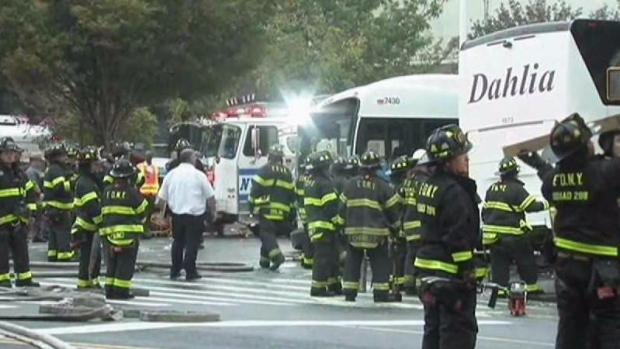 [TLMD - NY] Choque entre autobuses deja tres muertos