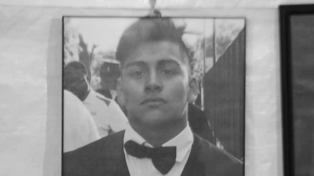 [TLMD - NY] Desgarrador último adiós de adolescente ecuatoriano