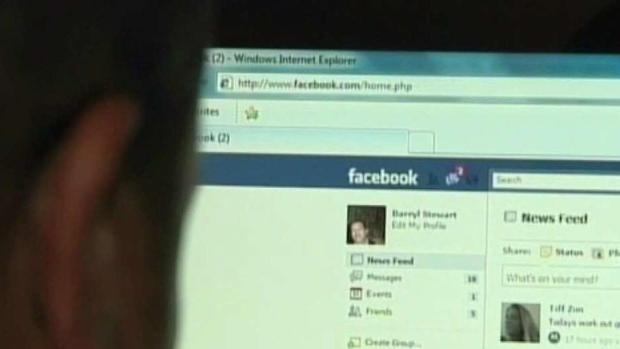Policía: Adolescente amenaza a través de su Facebook