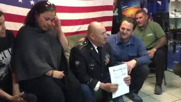 [TLMD - SD] Héctor Barajas en el momento que le dan la noticia de su ciudadanía