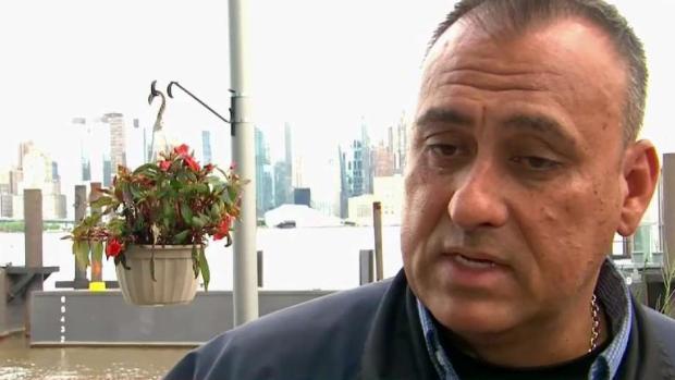 [TLMD - NY] Hispano salva la vida de piloto de helicóptero desplomado