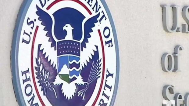 [TLMD - LV] ICE niega obligar a padres a firmar su deportación