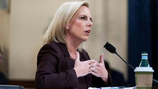 """Nielsen insiste en que hay una """"crisis"""" en la frontera"""