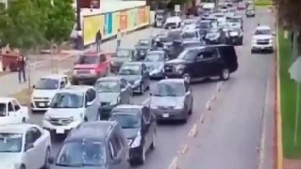 [TLMD - SD] En video: escoltas atropellan a peatón en Tijuana
