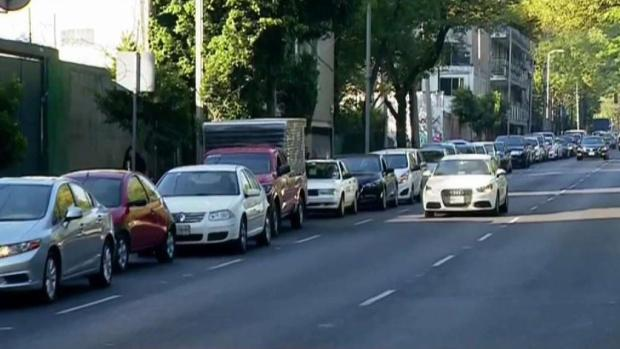 [TLMD - SD] Largas filas para llenar combustible en México