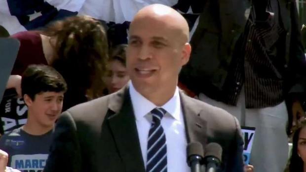 Líder demócrata de NJ lanza campaña presidencial