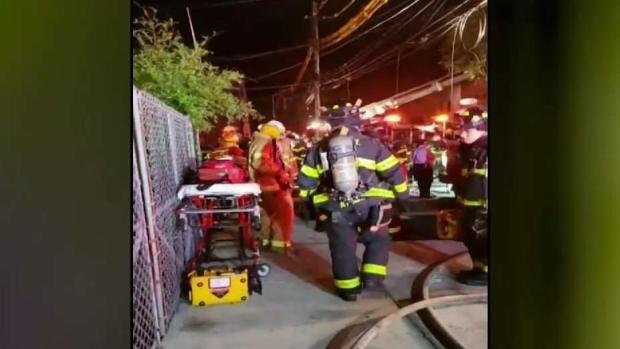 [TLMD - NY] Masivo incendio devora varias viviendas en Brooklyn
