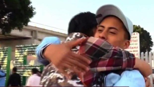 [TLMD - SD] Migrantes retornados a Tijuana regresan a San Diego