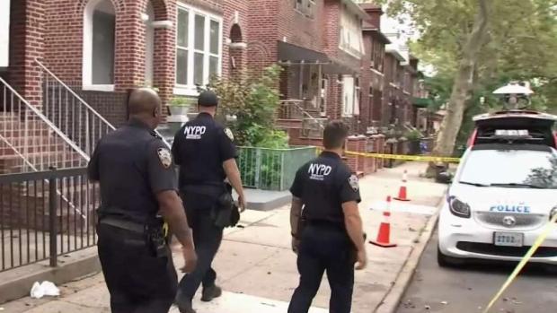 [TLMD - NY] NYPD: Mujer apuñalada a muerte por su pareja