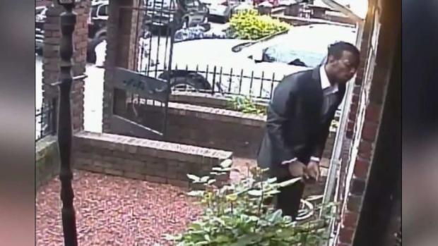 "[TLMD - NY] NYPD: ""Elegante"" ladrón aterroriza a mano armada"