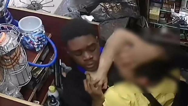 [TLMD - NY] NYPD investiga violento robo en bodega
