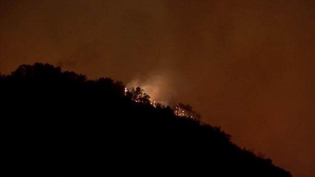[TLMD - SD] Imágenes del incendio cerca de Murrieta durante la noche