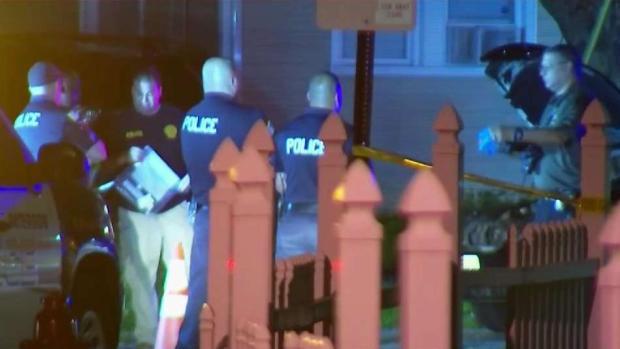 [TLMD - NY] Policía: Sobrino atropella a tío al reparar vehículo