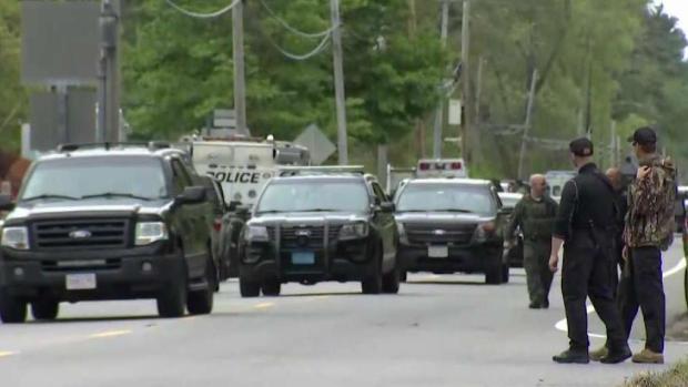 [TLMD - Boston] Policía: sospechoso atrincherado se suicida