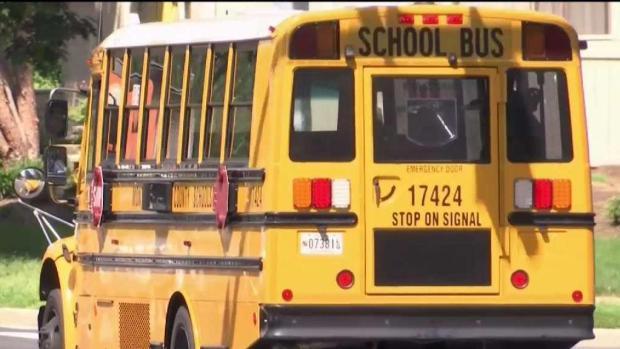 Con el regreso a clases, se reaviva el debate sobre la seguridad en escuelas del área