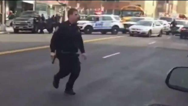 [TLMD - NY] Sale del hospital policía baleado en Washington Heights