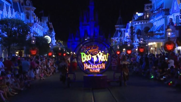 Disfruta de Mickey's Not-So-Scary Halloween Party