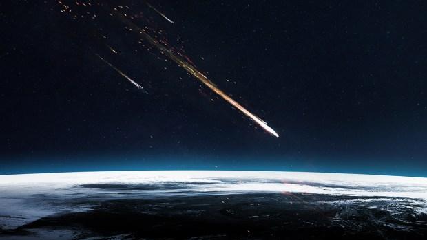 [TLMD - NATL] Graba caída de meteorito en California