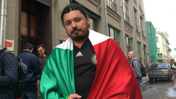 """Dilema futbolero: el ruso que """"sufre"""" apoyando al Tri"""