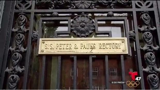 [TLMD - NY] Se roban estatua de Cristo de iglesia en Brooklyn