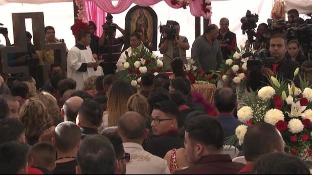 [TLMD - MIA] Rubí llega a su misa de XV, mira la ceremonia