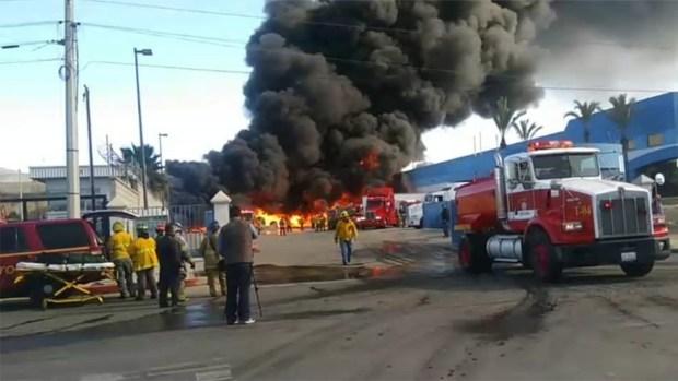 [G] Fábrica de plásticos en Tijuana se prende en llamas